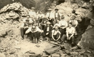 Andrews Farm Quarry at Chinley in Derbyshire (c1926)