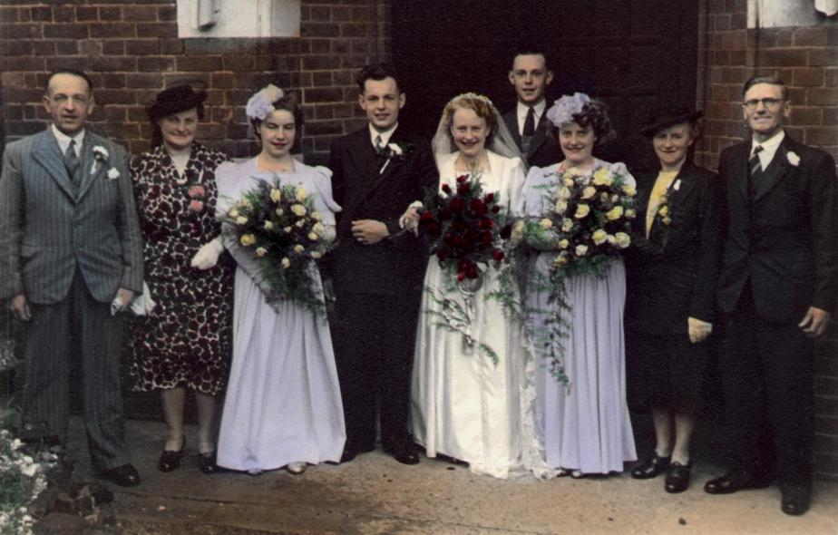 Dennis and Betty Manterfield's wedding (21-Aug-1948)