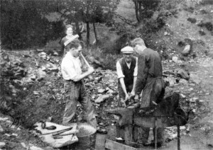John George Weallans (with hammer) at Andrew's Farm, Chinley (1920s)
