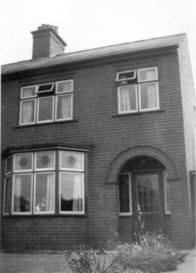 The Manterfield home at 225 Sketchley Road, Burbage (1949)