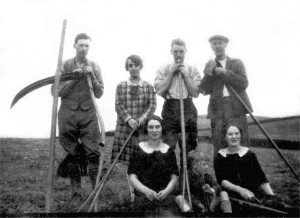 Robert, Jean, John, George and John with Sally, George and Nan (c1927)