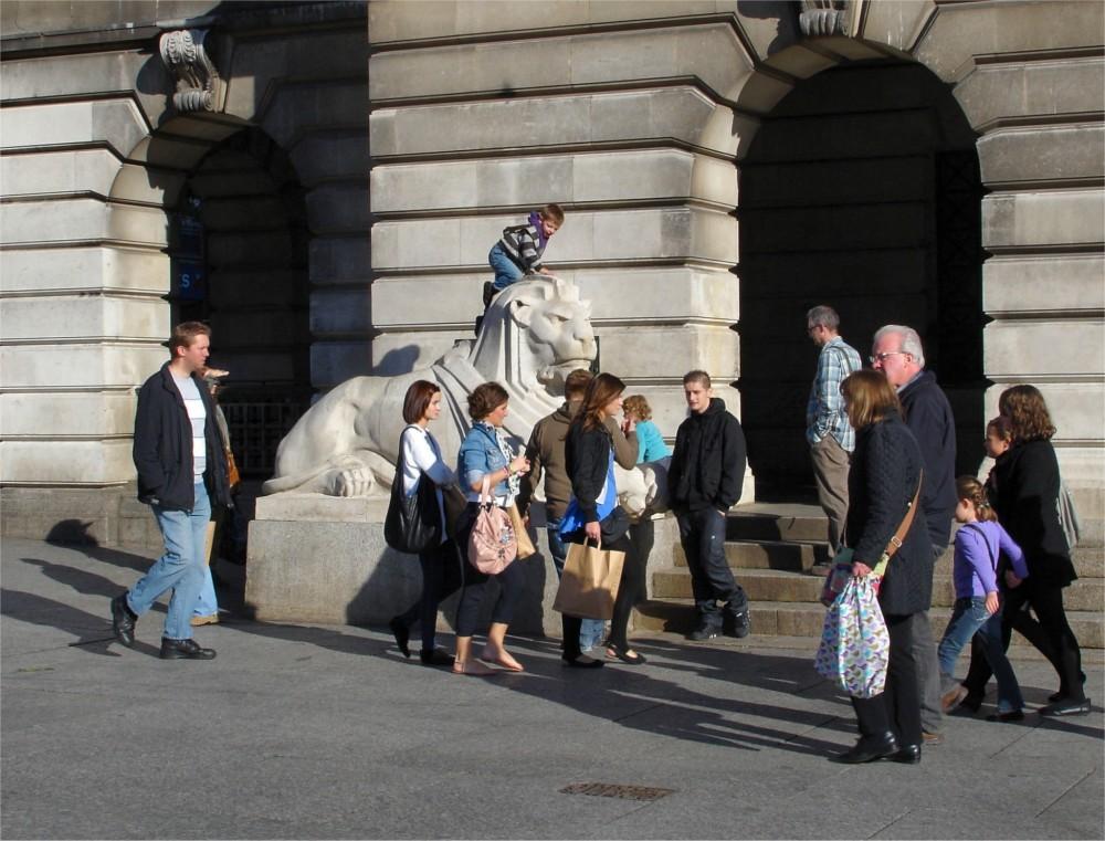Nottingham's stone lions (5/5)