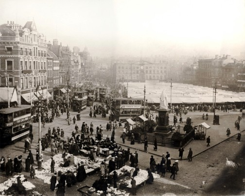 Nottingham's Market Place (c1925) © Nottingham City Transport